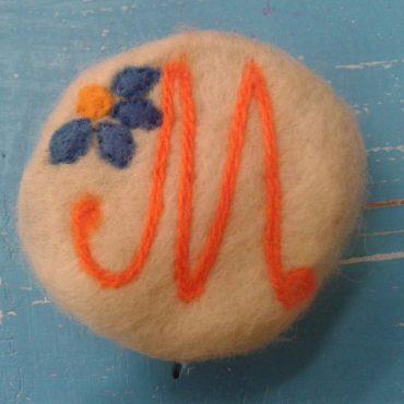 1013 PD Плъстен сапун с буква М