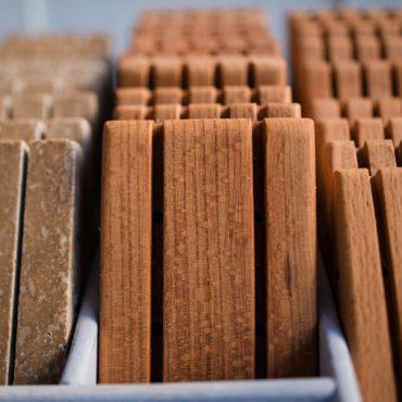 Дървена сапунерка парен бук – четири прореза