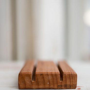Дървена сапунерка парен бук / два прореза/