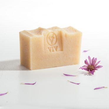 1010-NS.Домашен сапун с масло от Праскова